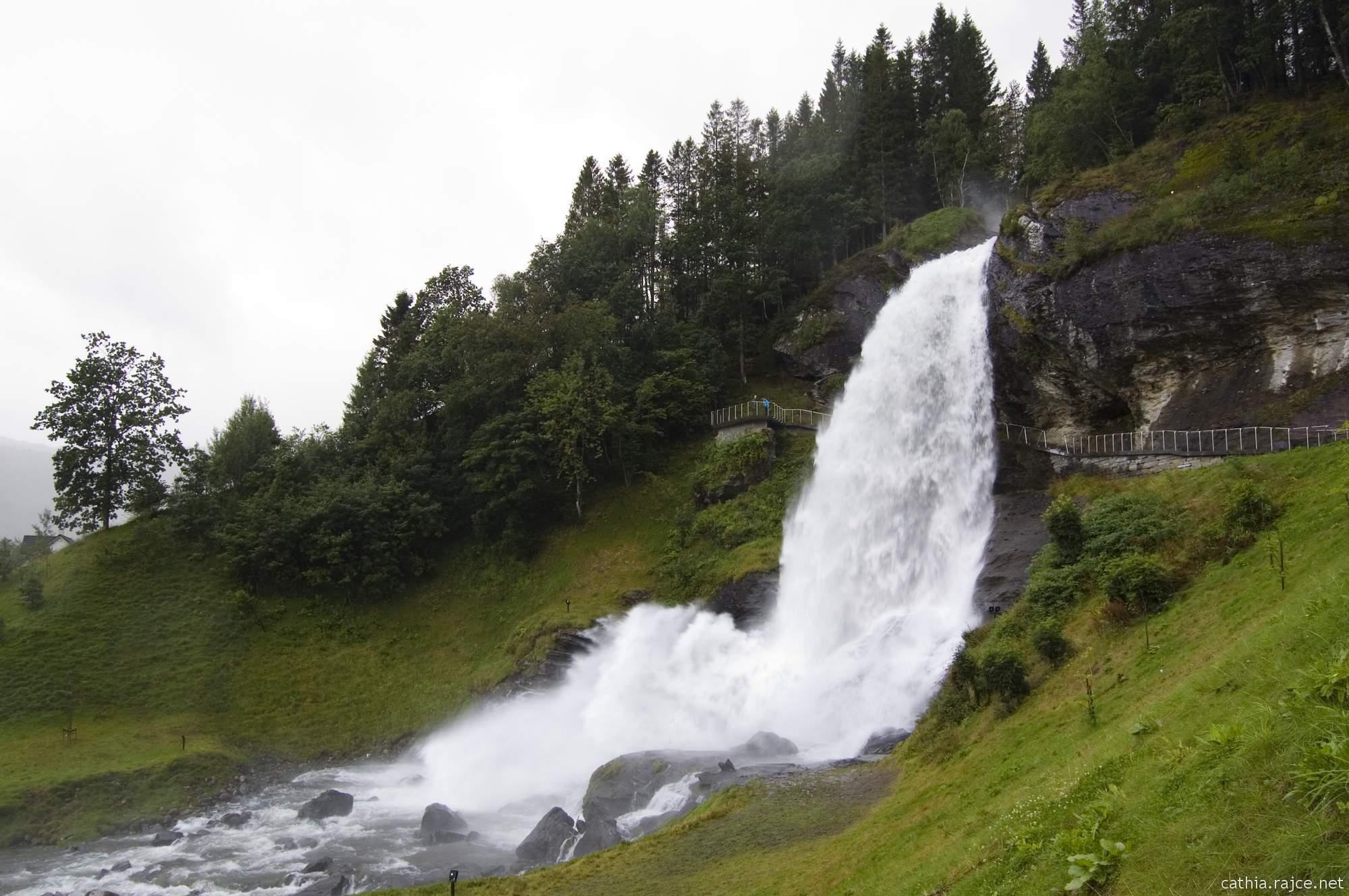 Vodopád Steinsdalsfossen