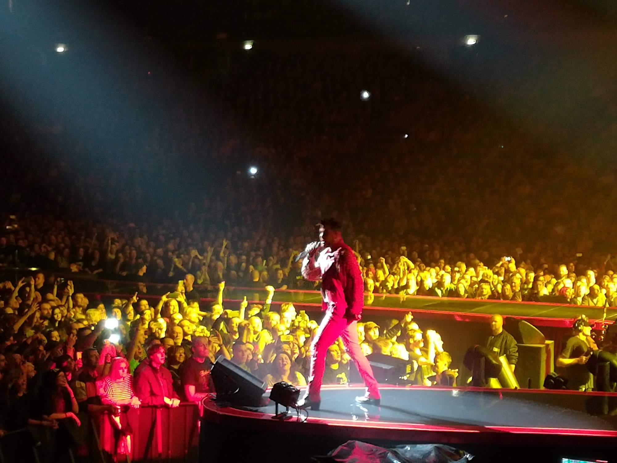 Zpěvák Adam Lambert. Foto: Radim Ptáček