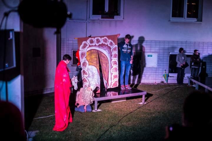 Pohádku o tom, jak se stal Martin svatým, zahráli děti z kroužku Dramaťák. Foto: Kristýna Čermáková
