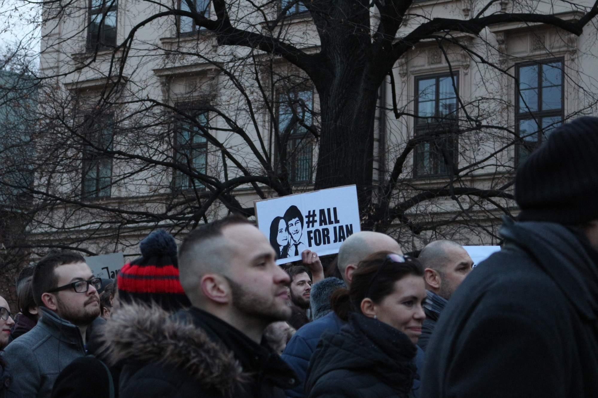 Ľudia si na stretnutí opäť pripomenuli pamiatku zavraždeného novinára Jána Kuciaka. Autor: Simona Gálová