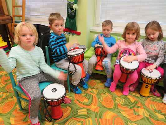 Hrajeme na bubny (zelená třída)