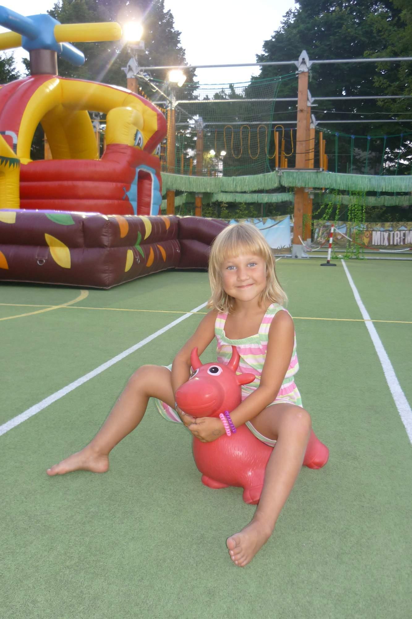 Koupání v bazéně léto 2008 - veronika20 - album na Rajčeti