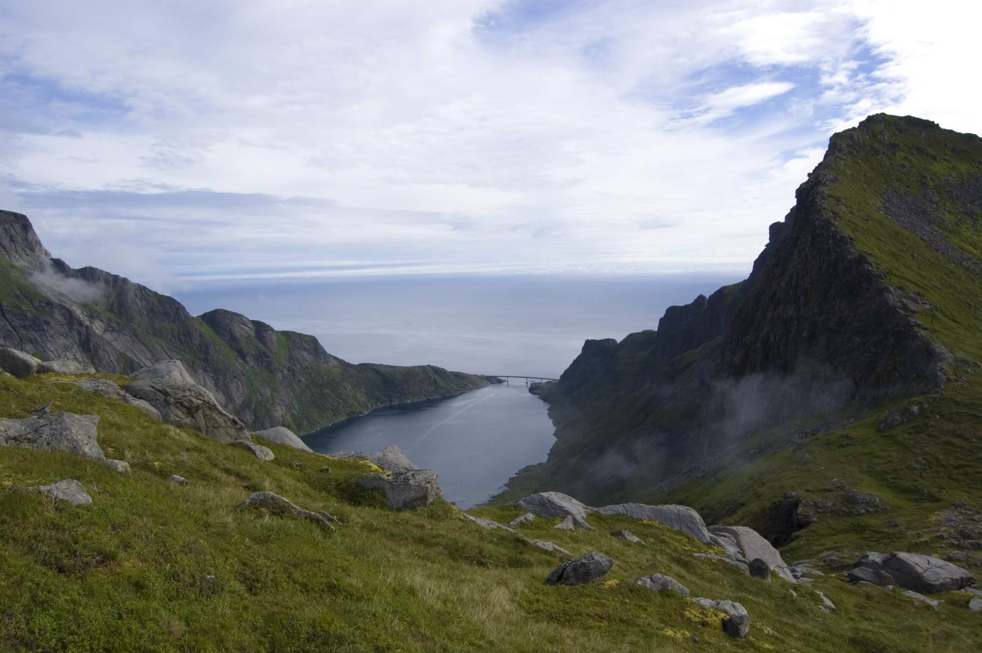Vrcholky západních Lofot
