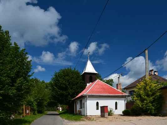 kaplička ve vsi Bukovina (Mírová pod Kozákovem)