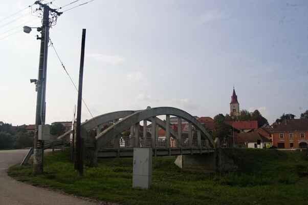 Hořepník, do cíle denní etapy v Pelhřimově chybí necelých 20km, zato přes kopečky.
