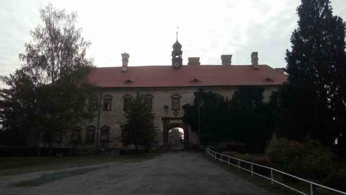 Druhého dne ráno jsem si to namířil na Rataje, kde mají zámek ...