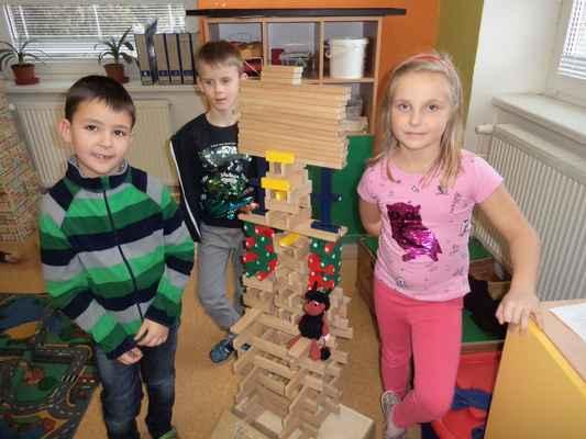 Družinoví stavitelé