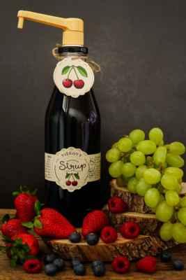 Naše extra husté 100% višňové sirupy dodáváme také do restaurací, kaváren, hotelů a potravinářským výrobcům. Naše sirupy jsou bez cukrů, bez chemie a nejsou nijak ředěny vodou a ani nejsou dochucovány. Čisté tekuté ovoce v lahvi. Ochutnejte: https://www.slaskoukjidlu.cz/visnovy-sirup/